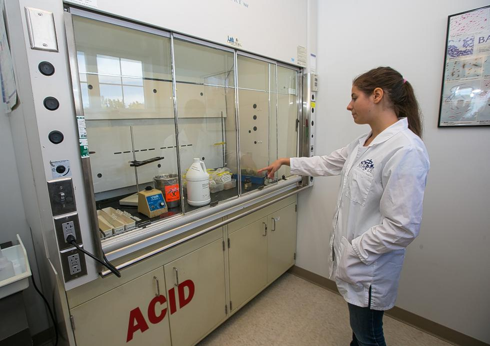 New Veterinary Diagnostic Lab helps backyard farmers as well as researchers