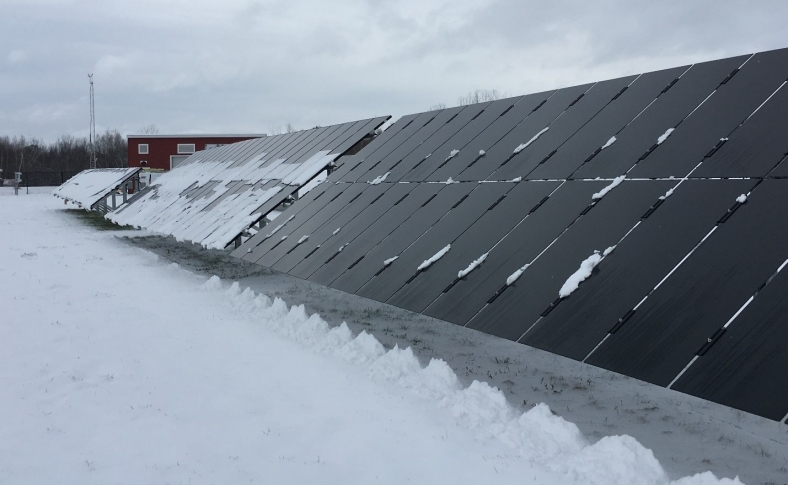 In snowy climes, solar panels without frames do better