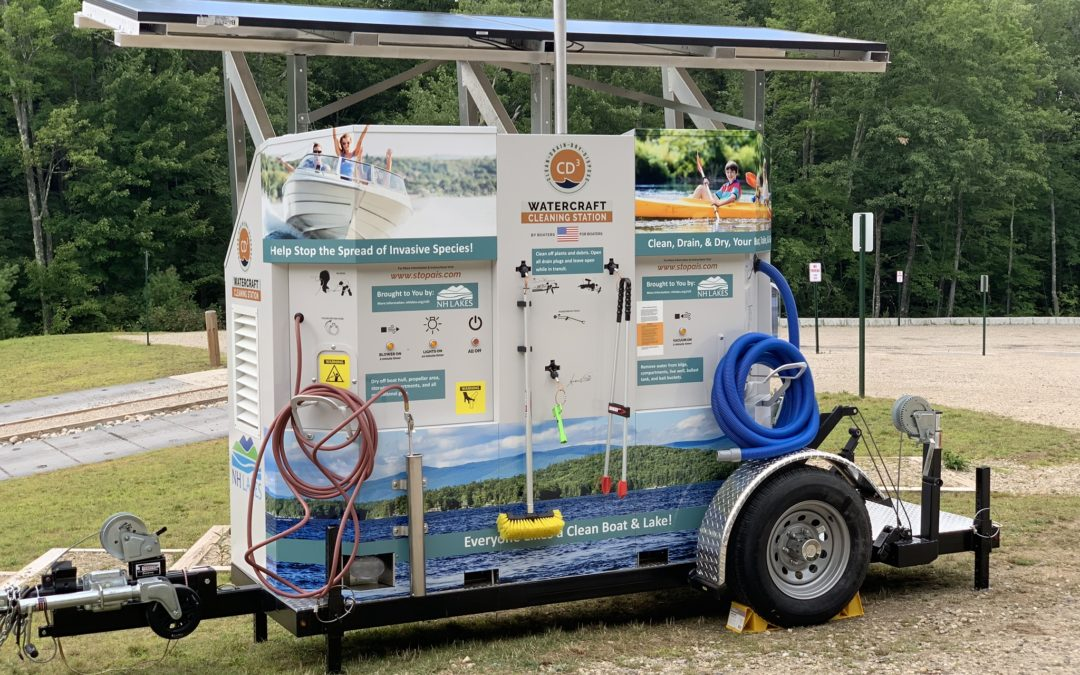 Solar boat-cleaning unit battles invasive weeds